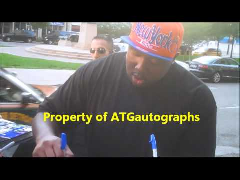 Nick Fairley Signing Autographs in Detroit 8/29/12