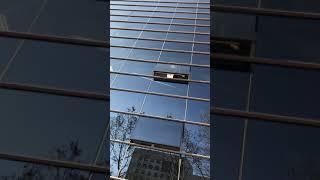 Пацан сбегает из Универа через окно