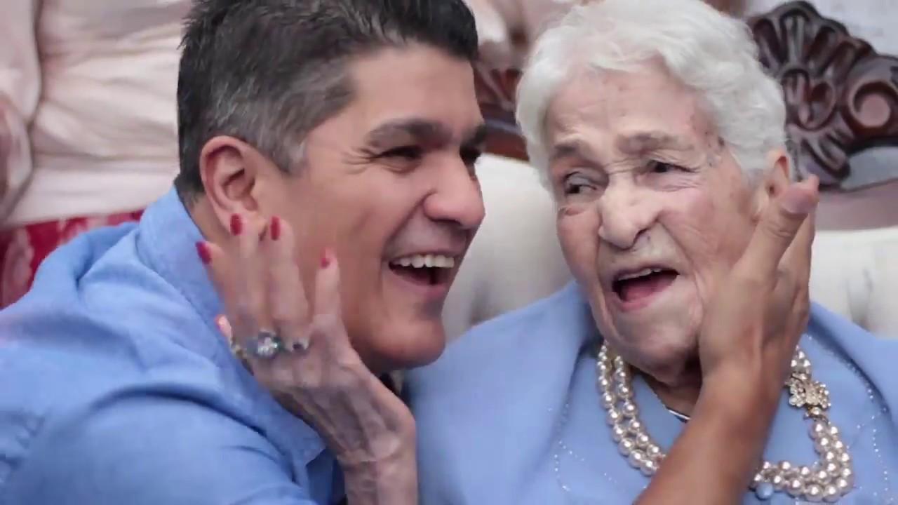 Eddy Herrera sorprende a FAN en su cumpleaños 100