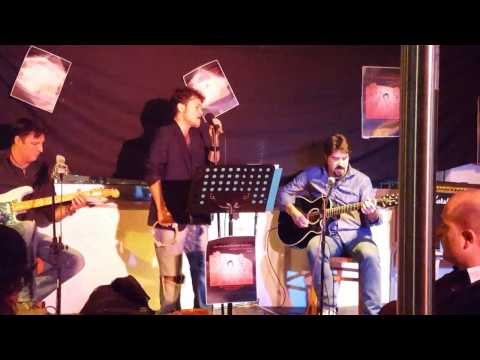 Police Vs Pink Floyd by The Alvocats at Rosa Mar 2015