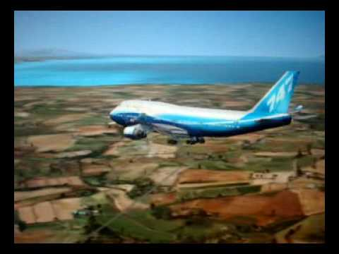 IMPOSSIBLE 747 LANDING AT Port-au-Prince, Haiti.mp4