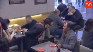 A Hombre en Situación de Calle lo echan de Restaurant - ¿Y Tú Qué Harías? T3 - CAP 10