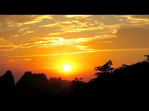 China Vlog: Huang Shan Sunrise, Ring 1 & 2 Hike, Taiping Cable Car!