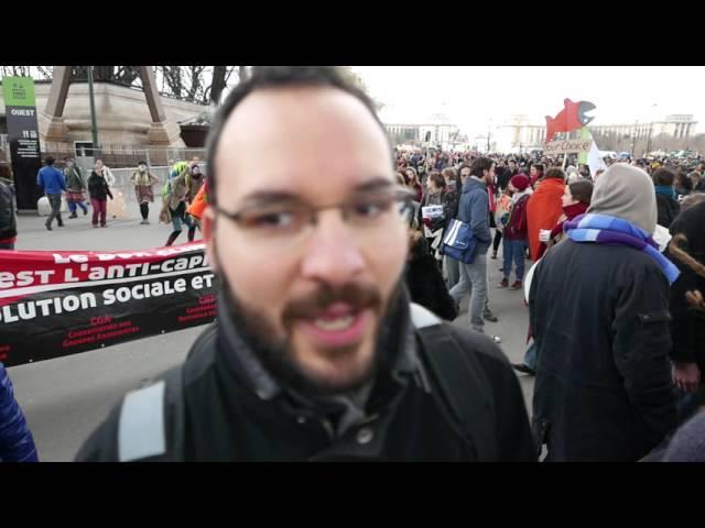 Ottoni a scoppio e Fanfara Invisibile sotto la Torre Eiffel  Parigi 12/12 - [2015]
