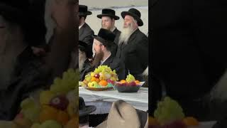 Satmar Rebbe R' Zalman Leib Conducting15 Shvat Tish In Florida - 5781