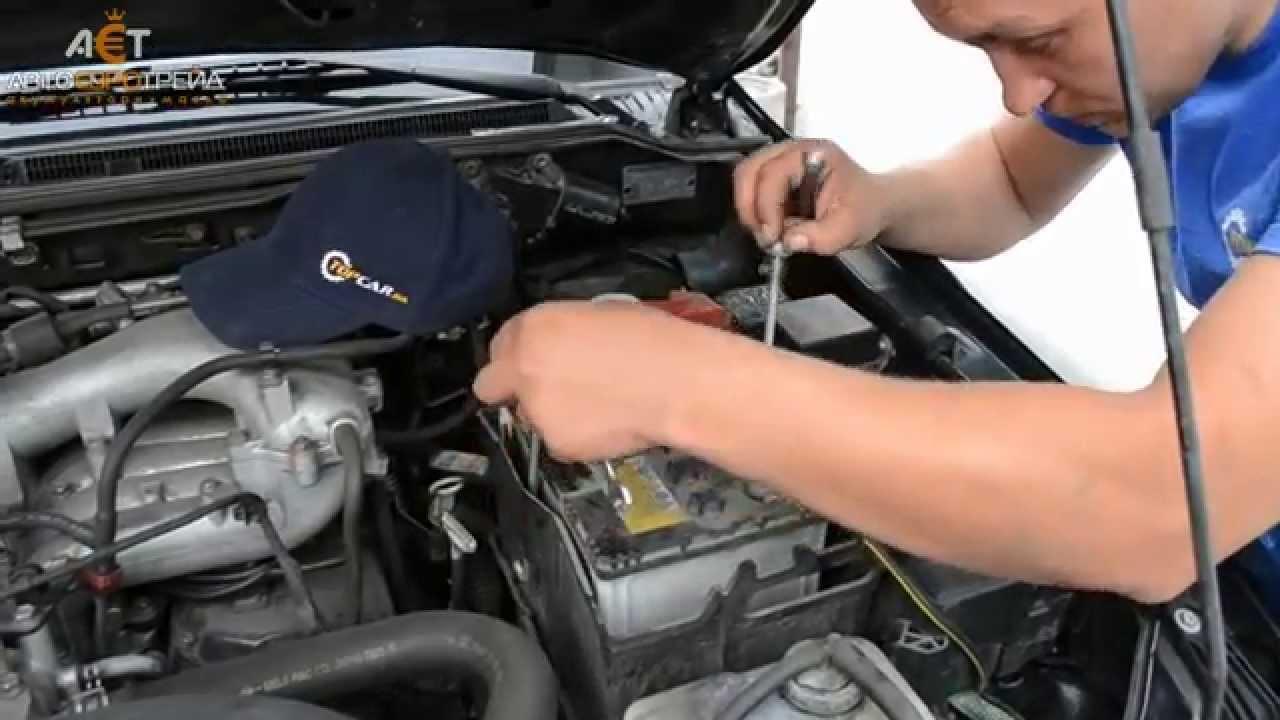 Mitsubishi Pajero Wagon 3.0 бензин: установка акб Yigit Aku 74Ah R+