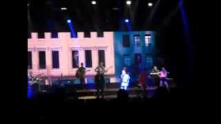 Sasha Benny y Erik - No me extraña nada 20 abril 2013