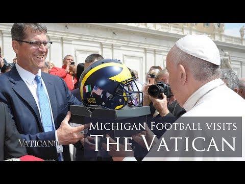 University of Michigan Football meets Pope Francis in Rome - EWTN Vaticano