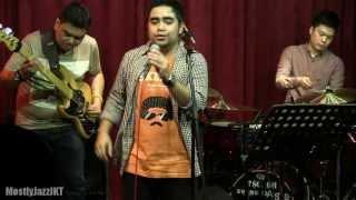Abdul & The Coffee Theory - Agar Kau Mengerti @ Mostly Jazz 03/05/13 [HD]