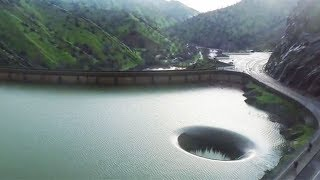 怖い…絶対に泳いではいけない6つの場所。 thumbnail