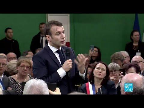 """REPLAY - Devant les maires normands, Emmanuel Macron annonce un grand débat """"sans tabou"""""""