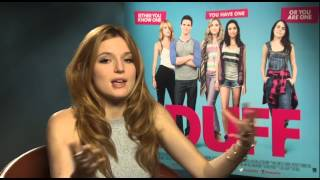 Bella Thorne on Kissing Robbie Amell | Two Tube
