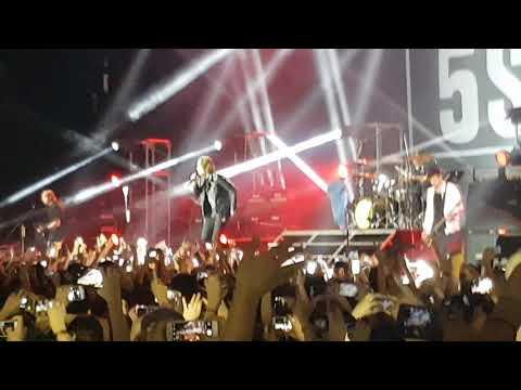 5SOS - Girls Talk Boys (Live Argentina 10/09/17)