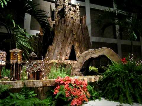 2008 Franklin Park Conservatory in Columbus Ohio - CHRISTmas Model Railroad Video