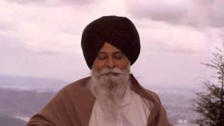 Giani Sant Singh Ji Maskeen About Sri Dasam Granth (Charitropakhyan)