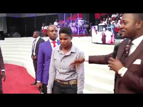 LESBIAN WOMANISER gets Delivered in CHURCH - Accurate Prophecy by Alph LUKAU