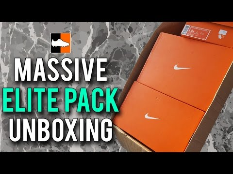 What's In The Box? Nike Elite Pack Football Boots & Cleats