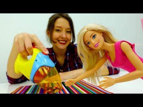 Видео для детей Веселая школа #КапукиКануки. БАРБИ делает генеральную УБОРКУ с Катей. Игры с куклами