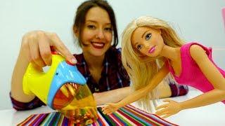 Видео для детей. Веселая школа. Барби наводит порядок.