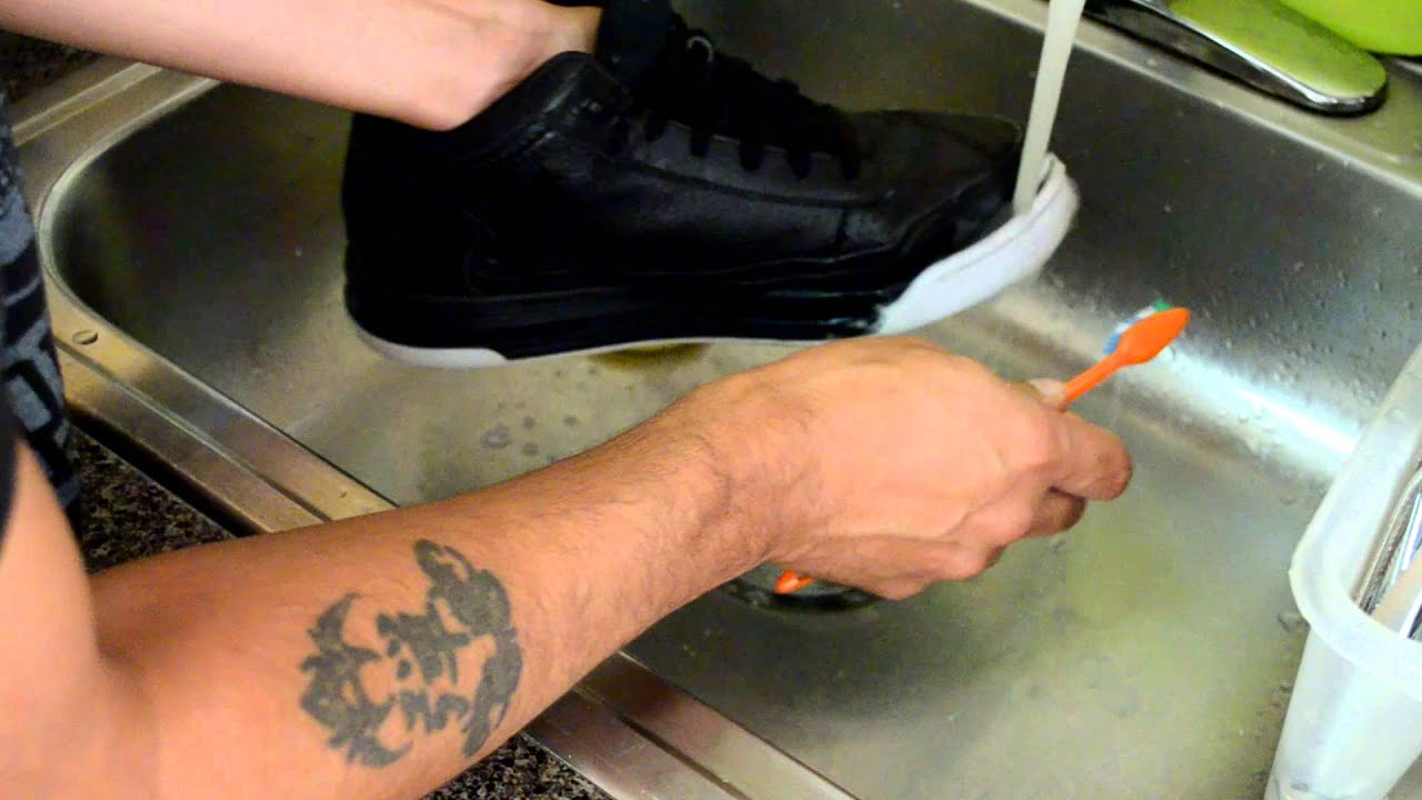 How To Clean The White Bottoms Of Shoes