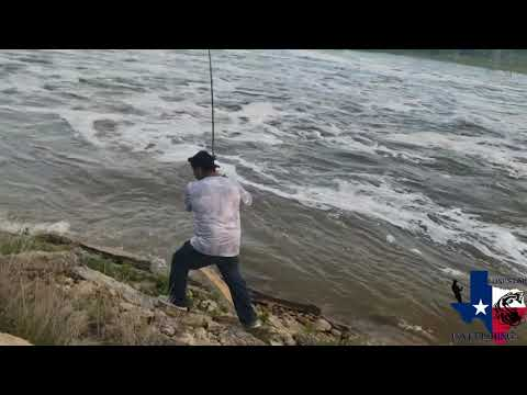 Bank Fishing The Brazos River And Catching A 20 Pound Blue Catfish