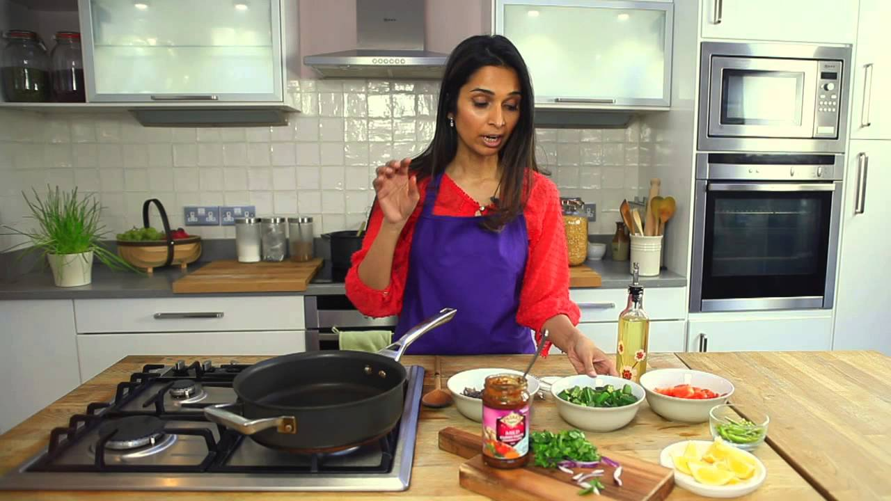 Patak S Mild Curry Paste Recipe With Maunika Gowardhan Video Youtube