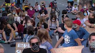 Sitzstreik - Fridays for Future Aktion in der Karlstraße