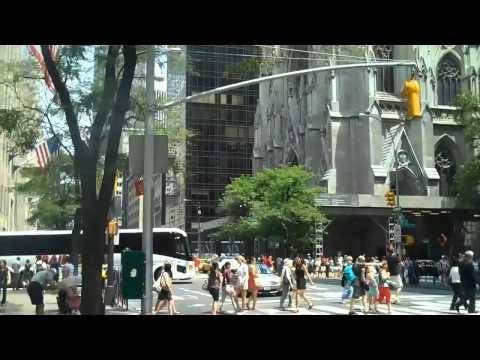 Shopping sur la 5eme Avenue à New-York