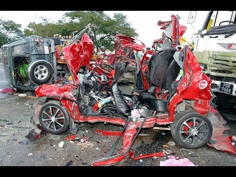 Horrible Smart Car Accidents
