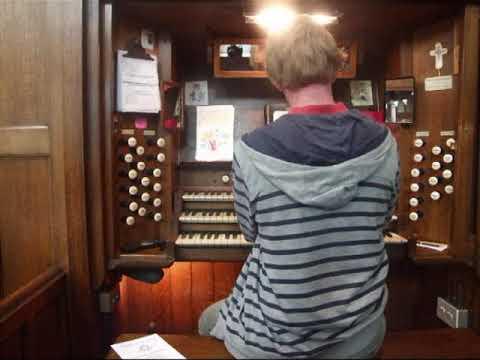 Can a Conacher organ imitate a Theatre Organ?