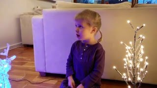 Skal vi ikke lave en snemand - Disney Frost sunget af Xenia og Dafne Stilund Nielsen