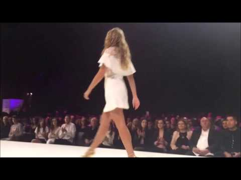 Esti Ginzburg slightly overweight in a fashion show 02 2017