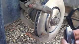 Замена передних тормозных дисков и колодок на Peugeot 406 - Disk brakes replacement