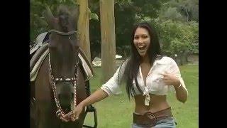 Лошадь и Девушка//Скрытая камера