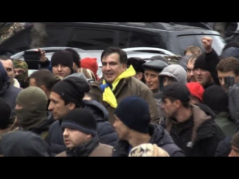 Supporters free Saakashvili from Ukraine police van