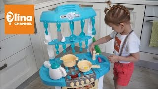 Детская кухня распаковка игрового набора(Детская кухня распаковка игрового набора. Элина с папой распаковывают большую электронную детскую игрушеч..., 2016-08-05T12:30:13.000Z)
