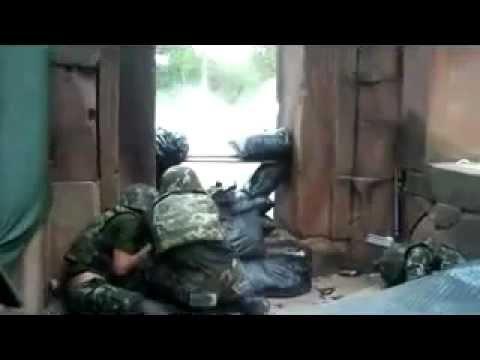 Quân đội Thái Lan chiến đấu với lính Campuchia tại biên giới