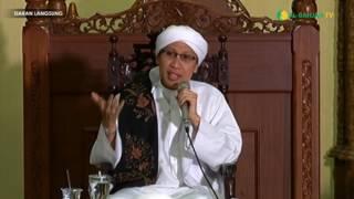 Video Hukum Mencium Kaki Orang Tua - Buya Yahya Menjawab download MP3, 3GP, MP4, WEBM, AVI, FLV Maret 2018