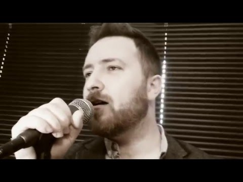 Walking in Memphis - Marc Cohn cover by Colin Kenny