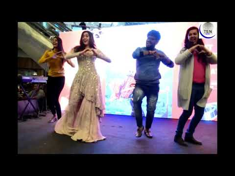 Sara Ali Khan Dances at DLF Mall of India, Noida on Kedarnath Song Sweetheart | Sushant