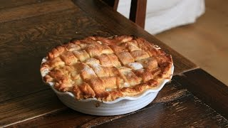Sophies Salted Caramel and Apple Pie (and How To Lattice A Pie)