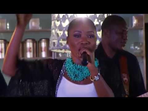 Casandra - MOHADI  [OFFICIAL MUSIC VIDEO]