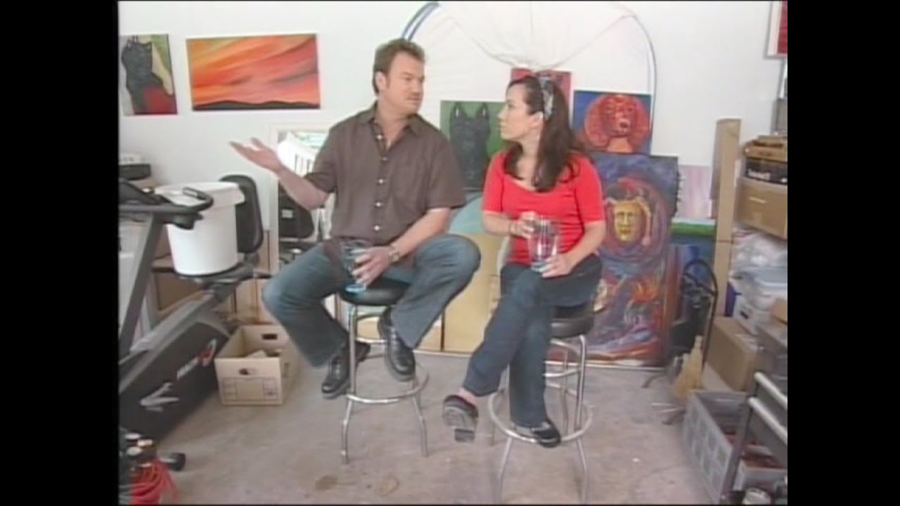 clive pearse lisa laporta 39 designed to sell 39 hgtv youtube. Black Bedroom Furniture Sets. Home Design Ideas