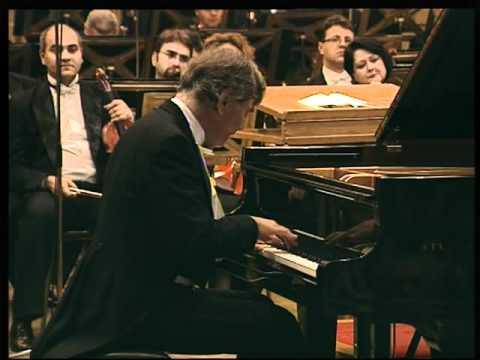Eugen Indjic plays Chopin - Mazurka op.63 No.3