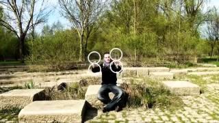 Завораживающие контактное жонглирование кольцами.(, 2014-04-14T08:51:09.000Z)