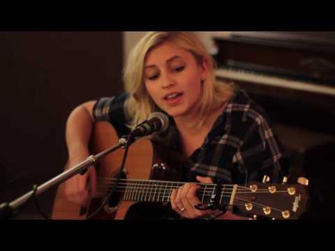 """Desdemona"" by Andrea von Kampen | Live on Hear Nebraska FM"