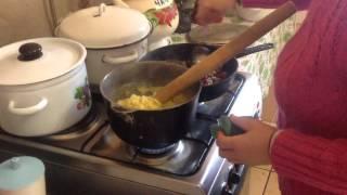Бессарабская мамалыга(О чем это видео:Бессарабская мамалыга., 2014-11-19T00:28:01.000Z)