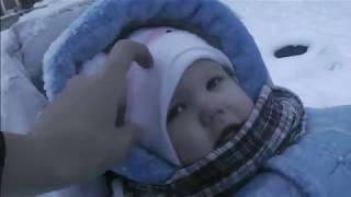 Дети лепят из снега Семён помогает папе Чаепитие в День Матери