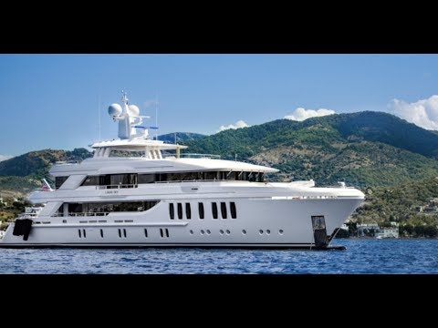 Luxury Yacht LIQUID SKY Charter by 1800yachtcharters