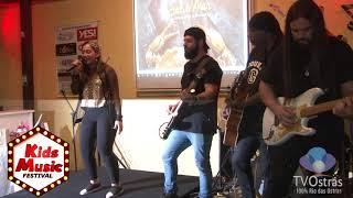 "Kids Music - Gabryela cantando ""Dona de Mim"" (Iza)"